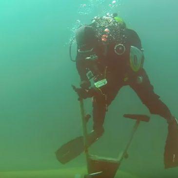 Podwodny tailwhip na rowerze stacjonarnym